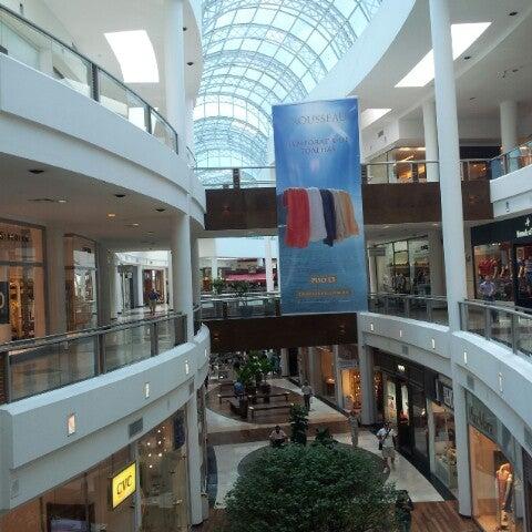 Foto diambil di Shopping Crystal oleh Ricardo M. pada 1/15/2013
