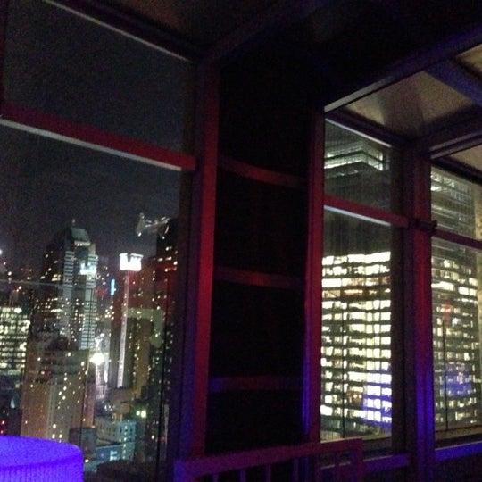 Снимок сделан в Sky Room пользователем Matt P. 11/22/2012