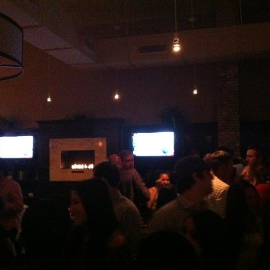 รูปภาพถ่ายที่ Brownstone Kitchen & Bar โดย Grant G. เมื่อ 10/20/2012