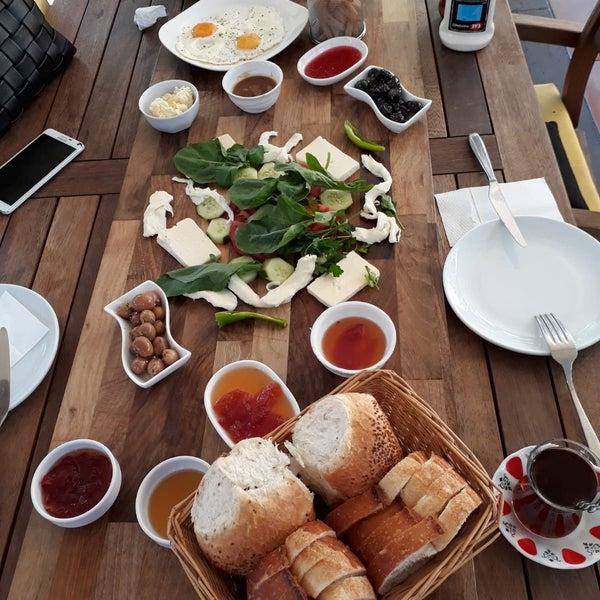 9/26/2018にGülsüm K.がLimoon Café & Restaurantで撮った写真
