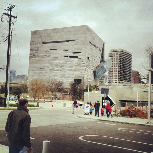 Foto tirada no(a) Perot Museum of Nature and Science por Tommy H. em 2/9/2013