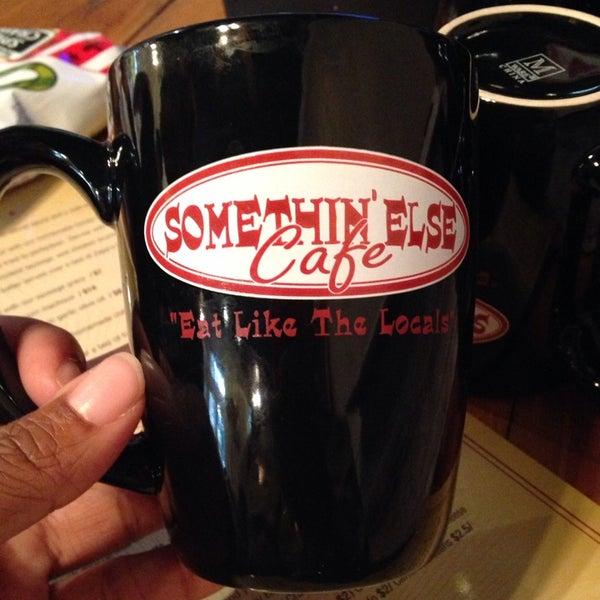 Снимок сделан в Somethin' Else Café пользователем Sonya S. 3/1/2014