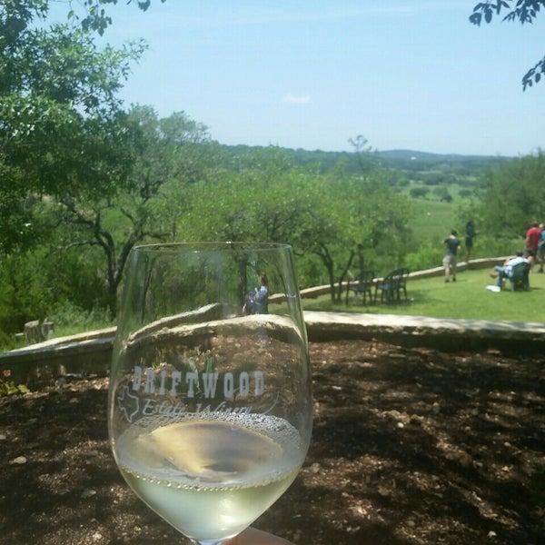 Foto diambil di Driftwood Estate Winery oleh Scott M. pada 4/30/2016