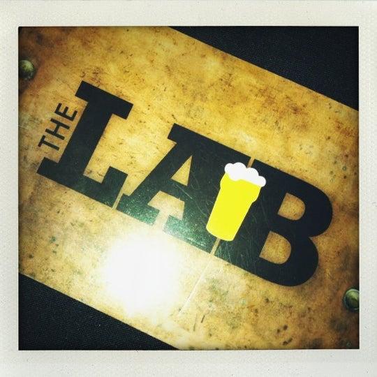 Das Foto wurde bei The Lab Brewing Co. von Roya P. am 10/8/2012 aufgenommen