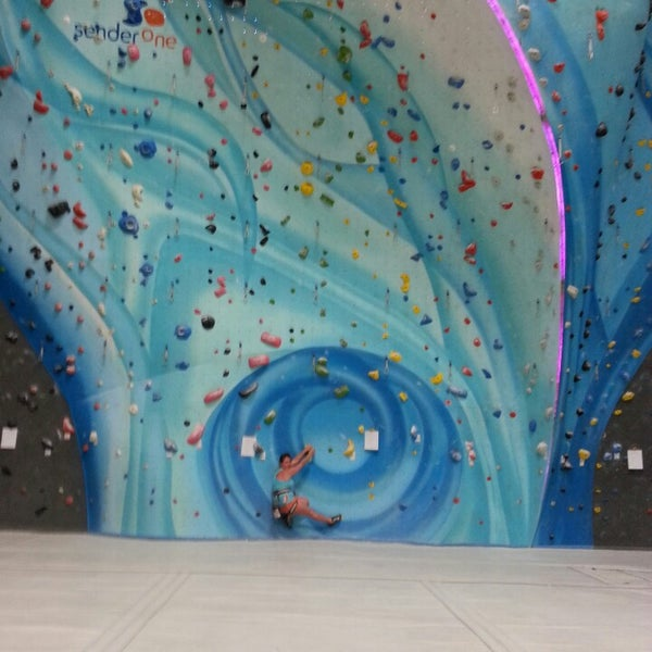 6/28/2014にJeff R.がSender One Climbing, Yoga and Fitnessで撮った写真