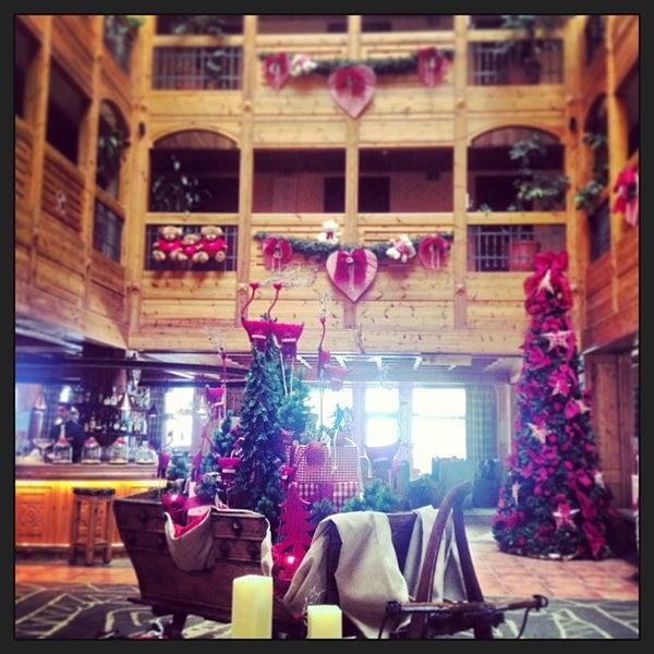 รูปภาพถ่ายที่ Sport Hotel Hermitage & Spa โดย Yana D. เมื่อ 12/29/2012