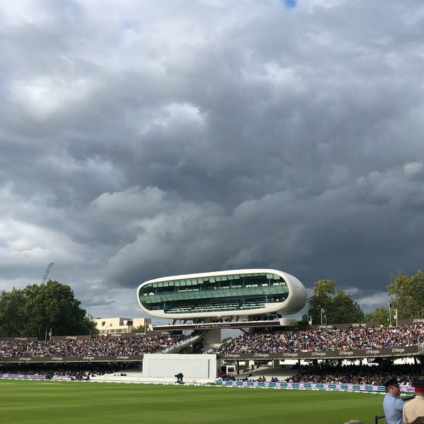Foto tomada en Lord's Cricket Ground (MCC)  por Richard R. el 8/19/2019
