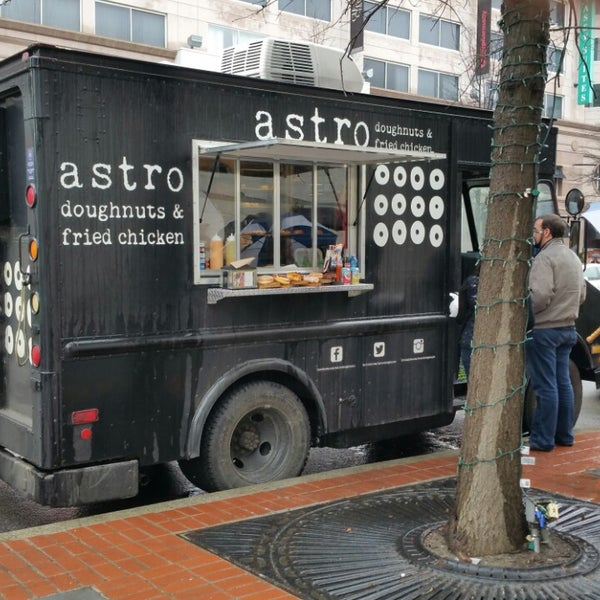Photos At Astro Doughnuts Fried Chicken Food Truck Downtown Penn