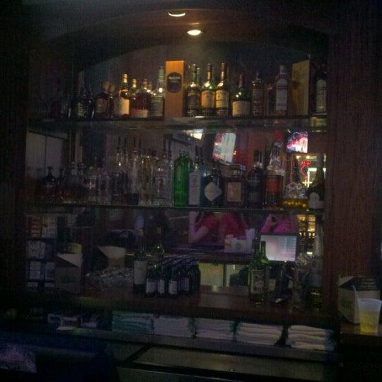 2/16/2013에 Ron S.님이 Sneaky Pete's에서 찍은 사진