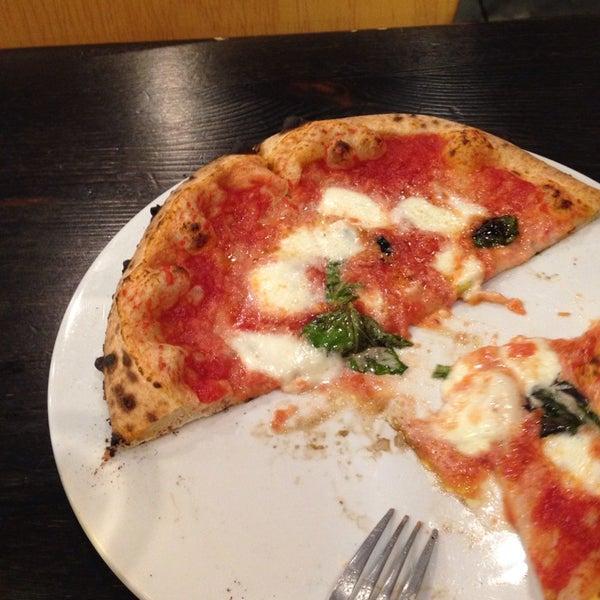 Снимок сделан в Pizza CS пользователем Lauren Y. 11/22/2013
