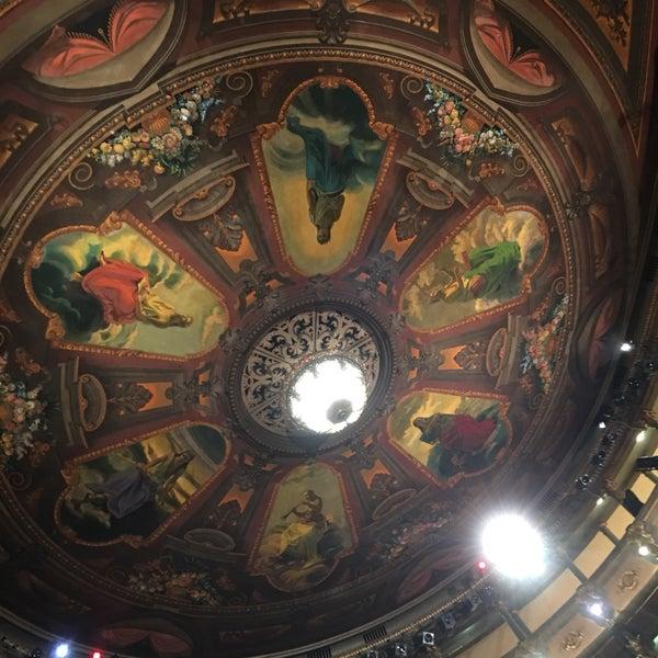 Das Foto wurde bei Teatro Colón von Eduardo P. am 3/18/2017 aufgenommen