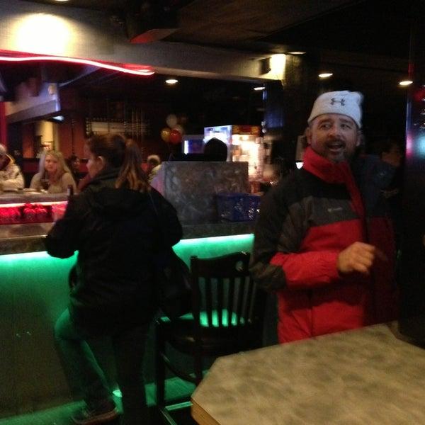2/23/2014에 Kim H.님이 Jerseys Bar & Grill에서 찍은 사진