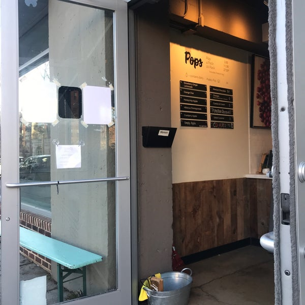 1/12/2020 tarihinde Tanya G.ziyaretçi tarafından Pleasant Pops Farmhouse Market & Cafe'de çekilen fotoğraf
