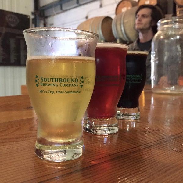 Das Foto wurde bei Southbound Brewing Company von Brian H. am 12/1/2018 aufgenommen