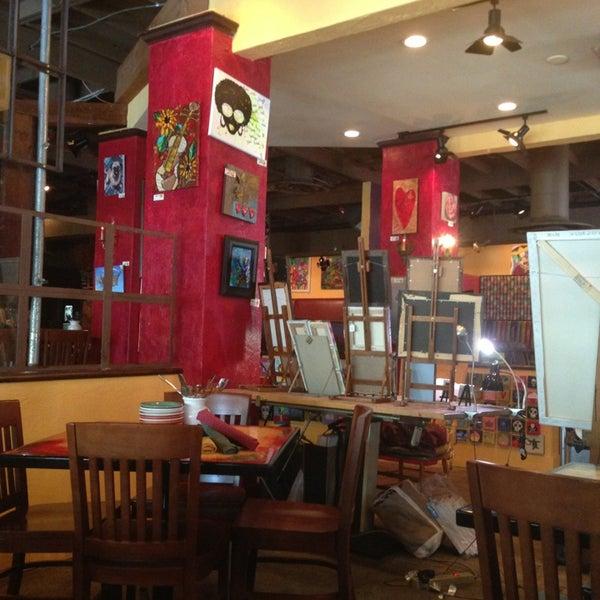 Foto diambil di Café Tu Tu Tango oleh Pierre B. pada 1/13/2013
