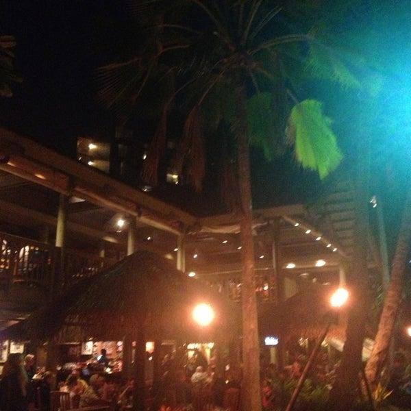 3/19/2013에 Gabe R.님이 Duke's Kauai에서 찍은 사진
