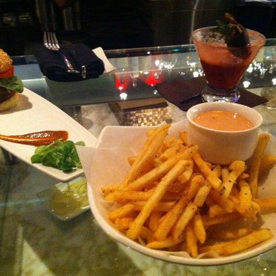 11/30/2012 tarihinde Melissa B.ziyaretçi tarafından Co Co. Sala'de çekilen fotoğraf