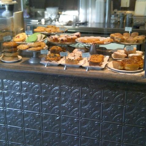 Das Foto wurde bei The Coffee Shop at Agritopia von CoffeeeIsGreat am 10/3/2012 aufgenommen