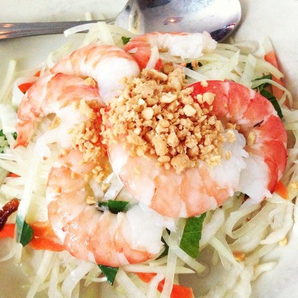 Das Foto wurde bei Falansai Vietnamese Kitchen von Ron C. am 6/3/2013 aufgenommen