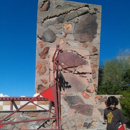 รูปภาพถ่ายที่ Taliesin West โดย Deejah F. เมื่อ 11/13/2012