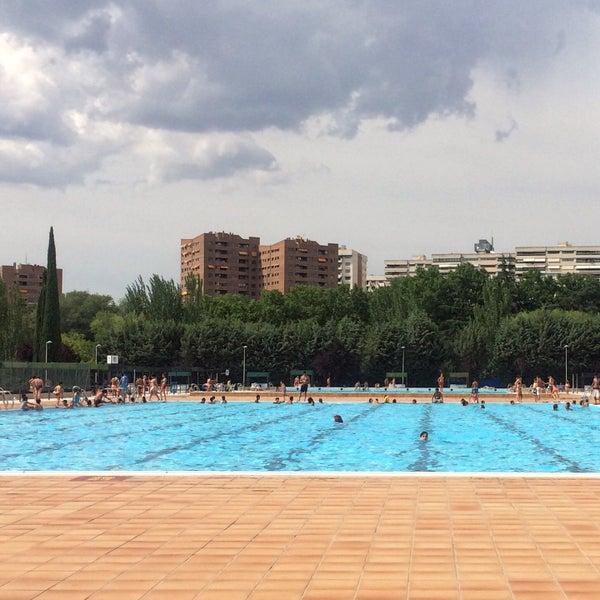 Fotos en piscina polideportivo vicente del bosque ahora for Piscina vicente del bosque