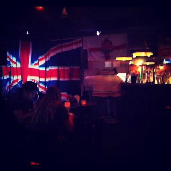 Снимок сделан в The Queen's Head пользователем Thomaz M. 9/16/2012