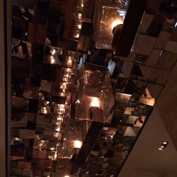 Снимок сделан в SOUTHGATE Bar & Restaurant пользователем Daniel P. 11/17/2013