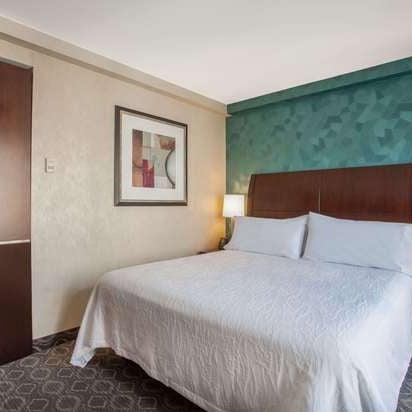 Foto tirada no(a) Hilton Garden Inn por Yext Y. em 12/23/2019