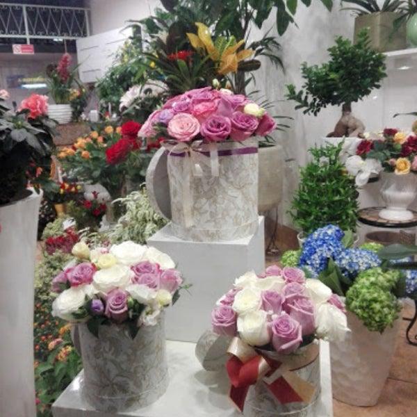 Оптом, цветы с доставкой в риме