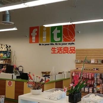 Foto tomada en FIT - Japanese Store por Yext Y. el 12/6/2016