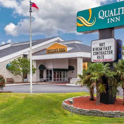 Photo prise au Quality Inn par Yext Y. le9/19/2017