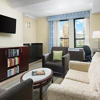 Снимок сделан в Hotel MELA пользователем Yext Y. 3/6/2020