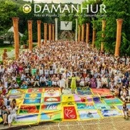 Foto tomada en Damanhur por Yext Y. el 9/21/2017