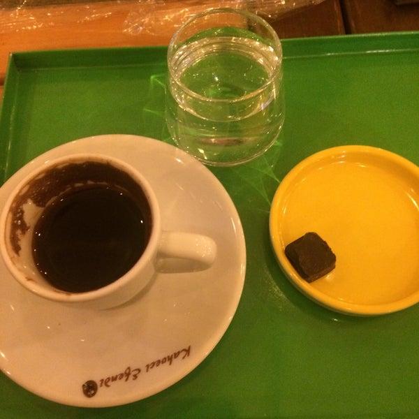 Photo prise au Coffee Castle par Turgay Ö. le1/3/2017