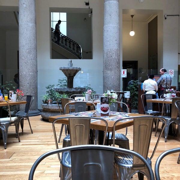 รูปภาพถ่ายที่ Restaurante Don Toribio โดย Bere เมื่อ 2/8/2018