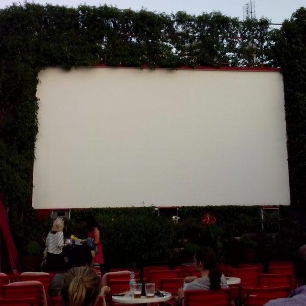 Photo prise au Cine Thisio par Andreas P. le7/7/2013