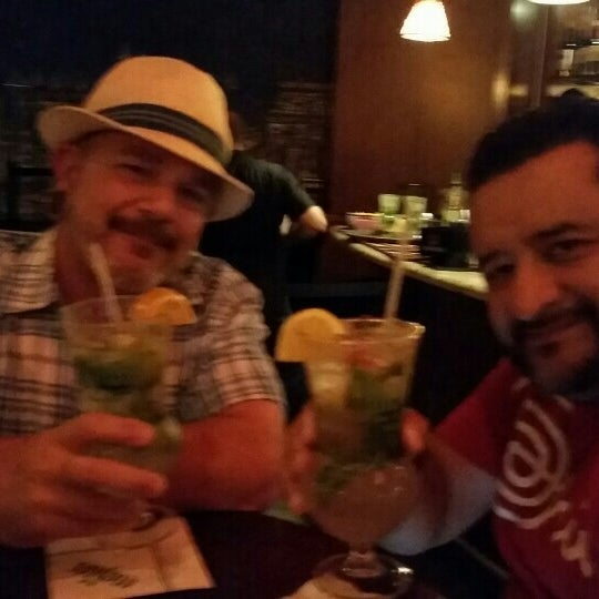 Photo prise au Mojitos Cuban Restaurant par Guido le6/6/2015