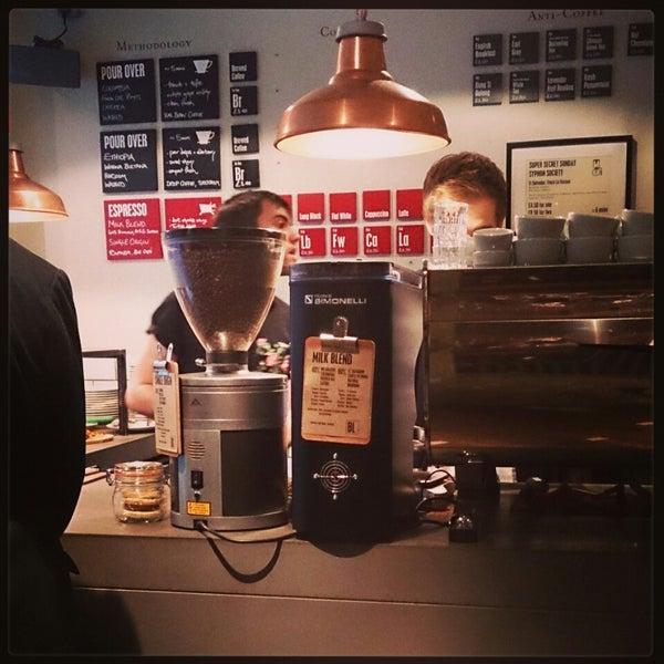 Foto diambil di Brew Lab Coffee oleh Joyce V. pada 11/9/2014