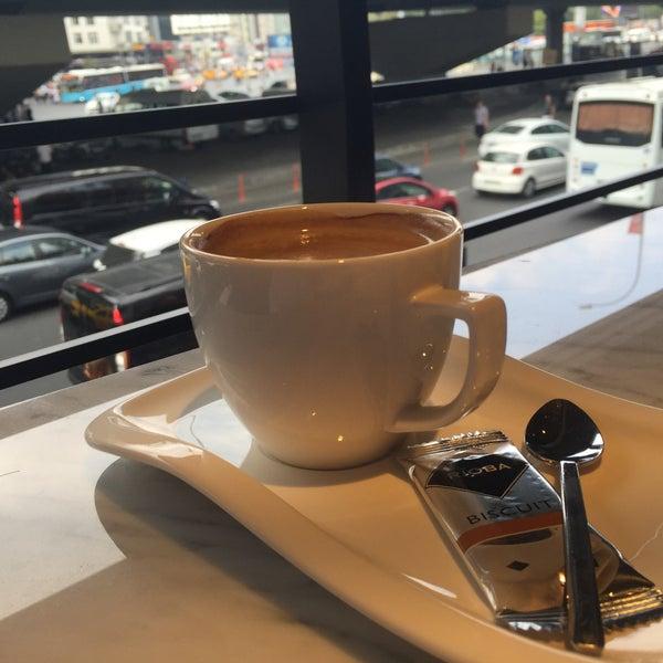 Das Foto wurde bei Cascada Coffee von Abdullah Y. am 8/4/2016 aufgenommen