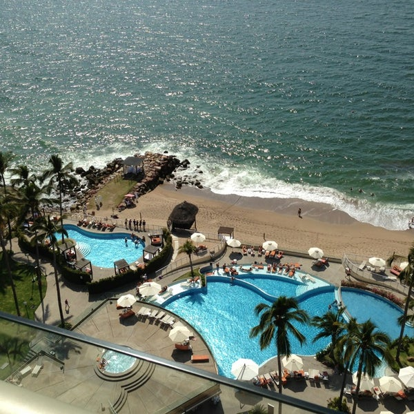 Foto tomada en Sunset Plaza Beach Resort & Spa por Tommy G. el 3/1/2013