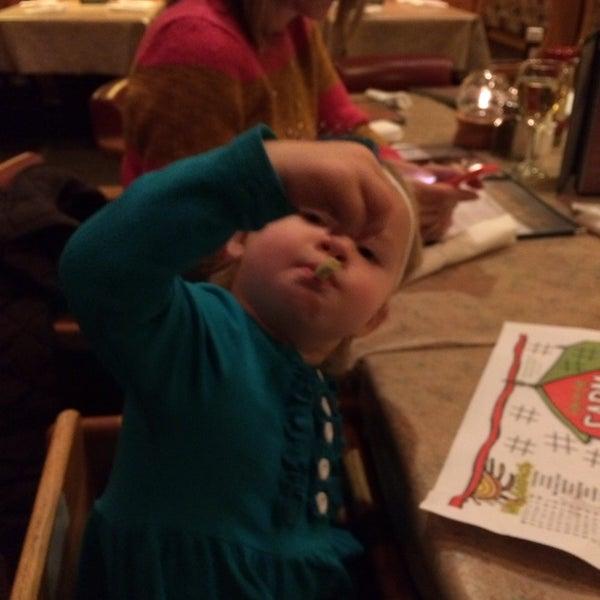 Das Foto wurde bei Timbers Inn Restaurant & Tavern von Stan D. am 11/24/2013 aufgenommen