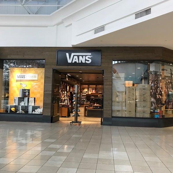 vans boutique hiring
