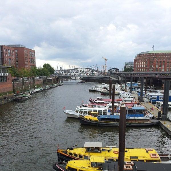günstig kaufen Talsohle Preis UK Verfügbarkeit Photos at Joop Van Den Ende Academy - School in Hamburg