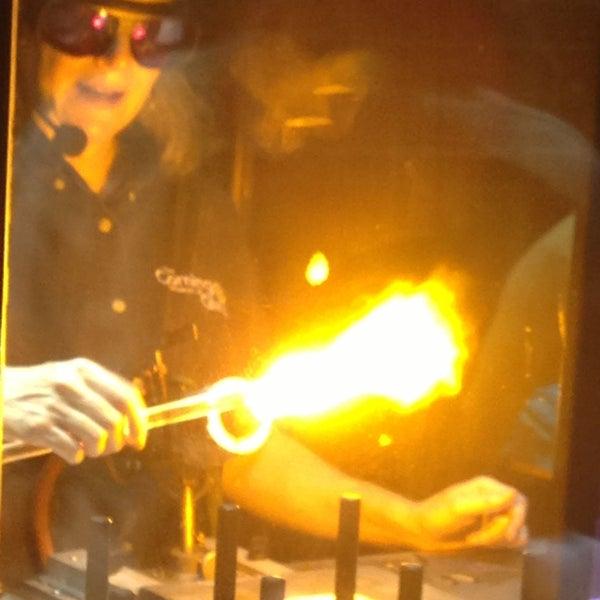 Photo prise au Corning Museum of Glass par Nithya D. le7/30/2013