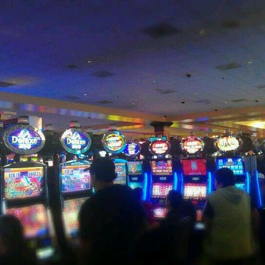 รูปภาพถ่ายที่ Valley View Casino & Hotel โดย Maurice S. เมื่อ 12/27/2012