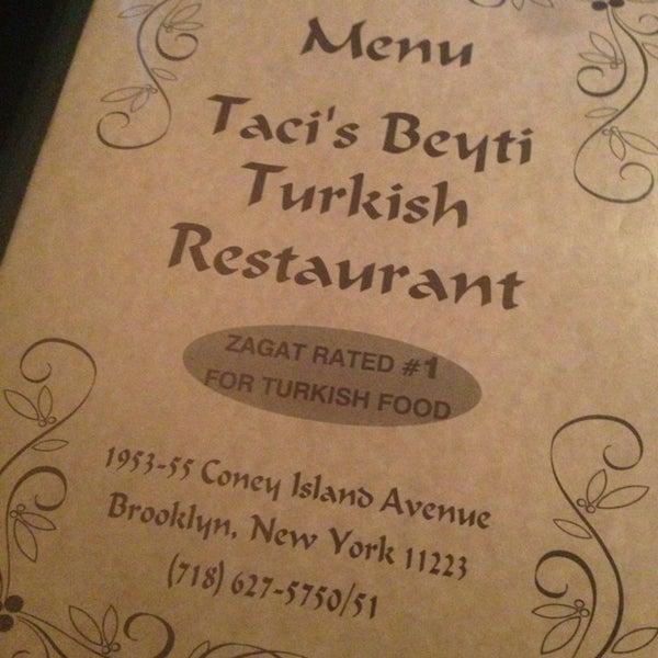 Das Foto wurde bei Taci's Beyti Restaurant von Jo  G. am 4/1/2013 aufgenommen