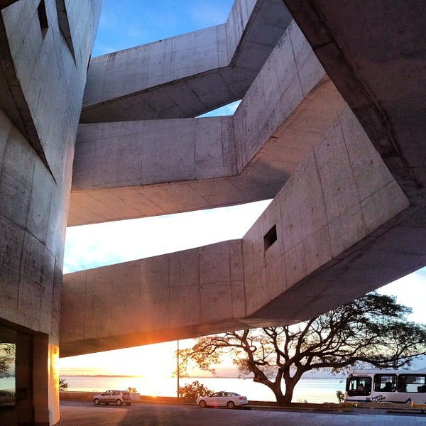 Foto diambil di Fundação Iberê Camargo oleh Felipe F. pada 7/9/2013