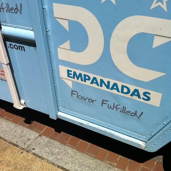 8/14/2013にOmar M.がDC Empanadasで撮った写真