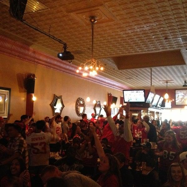 Foto diambil di San Jose Bar & Grill oleh Rob G. pada 1/21/2013
