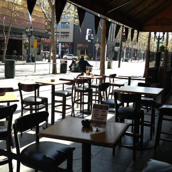 Foto diambil di San Jose Bar & Grill oleh Rob G. pada 3/22/2013